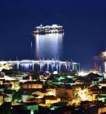 Povijesni dan za Makarsku: najveća svjetska privatna jahta uplovila u gradsku luku