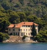 Vlada donijela odluku o prodaji Češke vile na Visu